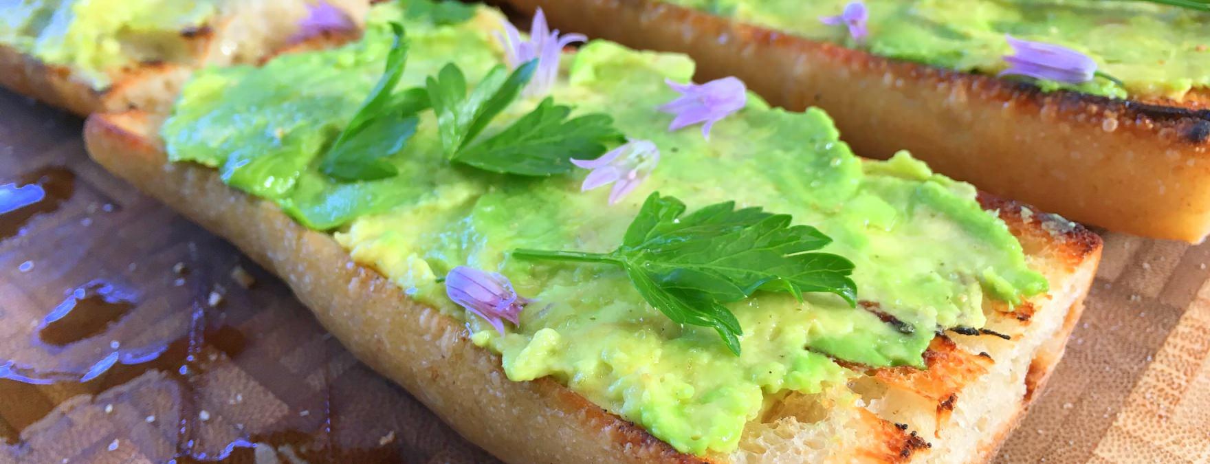 bread with avocado